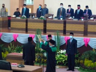 Lalu Wirakse Resmi Dilantik Menjadi Anggota DPRD Lombok Tengah