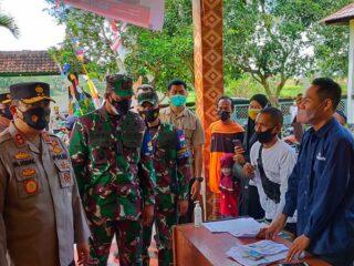Tim Vaksinator Percepat Laju Vaksinasi DPSP Di Lombok Tengah