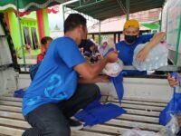 Peduli Masyarakat Miskin, Pemkab  Lombok Barat Bersama Yayasan  Server Indonesia  Bagikan  40 Ton Daging Kurban